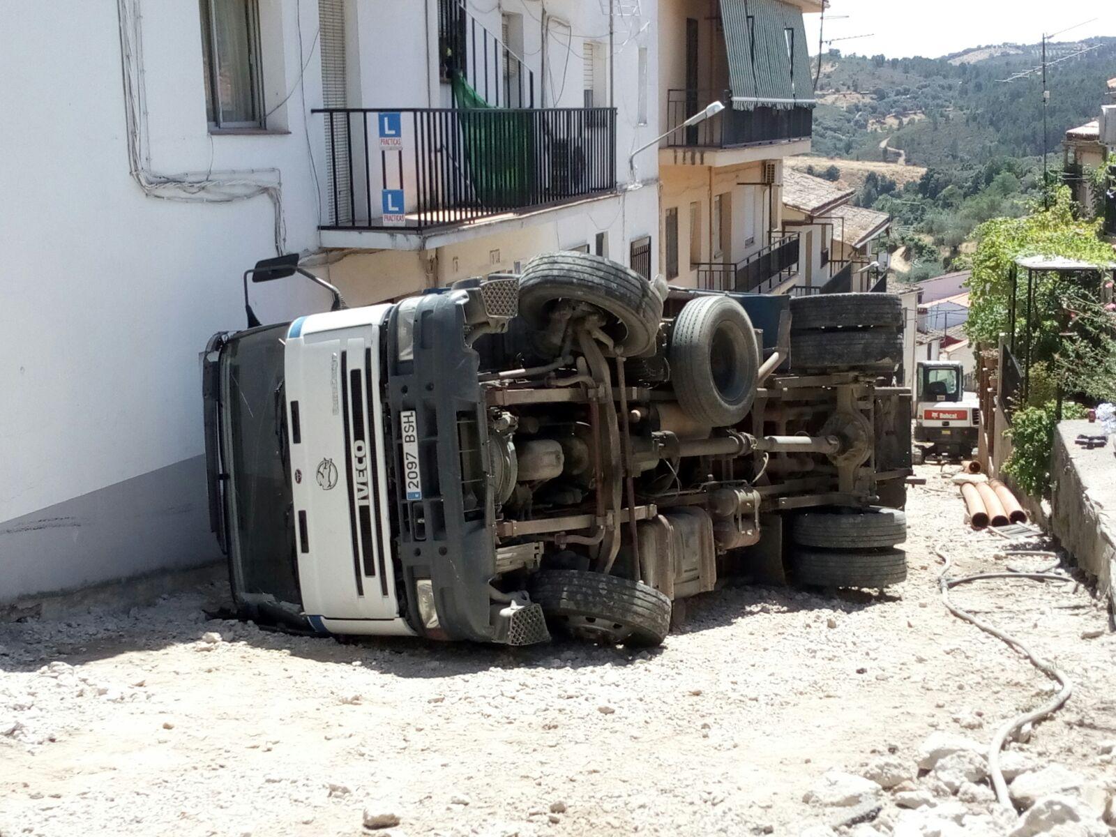 Vuelca un camión agosto 2018 - Guadalupe 1