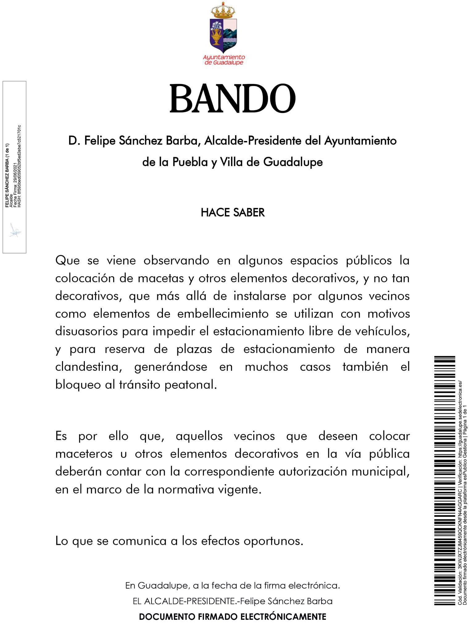 Uso inadecuado de maceteros y otros elementos en la vía pública (2021) - Guadalupe (Cáceres)